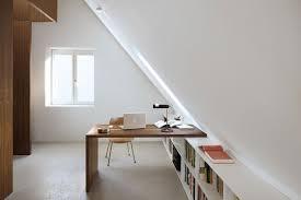 bureau sous pente aménager une chambre sous les combles ou le grenier bellecouette