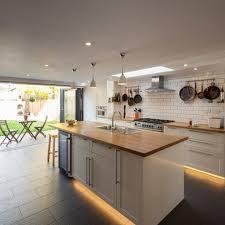 ilot cuisine conforama cuisine avec ilot central et table 9 indogate cuisine moderne