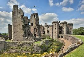 historical castles 33 welsh castles that are pretty much the best thing history ever