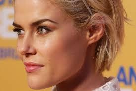 transition hairstyles for growing out short hair how to grow out bleached damaged hair beautyeditor
