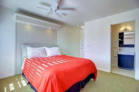 Comfort Inn Manhattan Beach Sea View Inn At The Beach Manhattan Beach Hotels From 186 Kayak