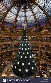 swarovski christmas tree in the great hall of the galeries