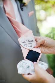 21 thoughtful wedding gifts for your parents weddings - Gifts To Give Your On Wedding Day