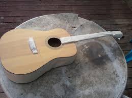 paint an acoustic guitar 5 steps
