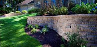 how to use walls in an outdoor space outdoor living by belgard