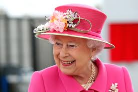 Queen Elizabeth by Queen Elizabeth Ii Wants To Hire A Social Media Star New York Post