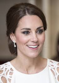 kate middleton s shocking new hairstyle kate and william get shocking news as they end their royal tour