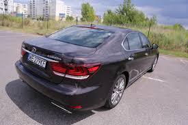 lexus ls zdjecia lexus ls 600h l benzynowe v8 silnik elektryczny to oszczędny i