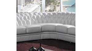 canapé d angle en cuir design chesterfield canapé d angle design tout en cuir pour faire