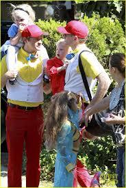 alice in wonderland family halloween costumes 174 best actor chef neil patrick harris u0026 david burtka images on
