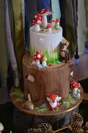 woodland critter cake woodland baby shower via kara u0027s party