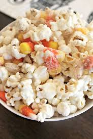 popcorn for halloween made it ate it loved it white chocolate halloween popcorn