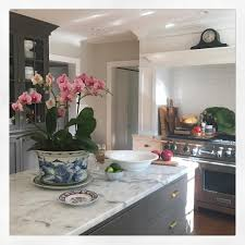 Benjamin Moore White Dove Kitchen Cabinets See This Instagram Photo By M O Endres U2022 1 367 Likes Benjamin
