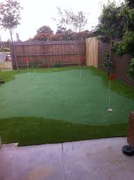 backyard putting greens perfect turf solutions