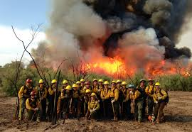 women u0027s fire crew from perryville prison fights highline fire in