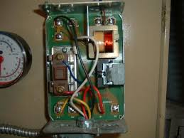 wiring honeywell 6006 aquastat to a l8148 doityourself com
