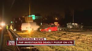 one dead in semi involved five vehicle traffic crash on i 75 near