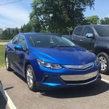 nissan leaf vs chevy volt new chevy volt 106 mpge u0026 53 mile electric only range cleantechnica