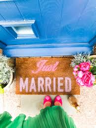 just married door mat diy for the newlywed project fun home decor