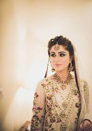Trendy Pakistani Bridal Hairstyles 2017 New Wedding Hairstyles Look 7 Style Ideas We Can Emulate From Pakistani Brides Wedmegood