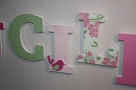 lettres décoratives chambre bébé cadeau prénom en bois lucile pour décoration murale et vert