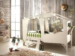 chambre petit espace lit petit espace deco chambre petit espace un lit qui se transforme