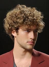 coupe de cheveux homme fris cheveux tres frisés homme