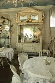 Deco Chambre Shabby Best 25 Shabby Cottage Ideas On Pinterest Cottage Chic