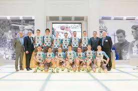 ag2r la mondiale si e social ag2r la mondiale presentata la squadra 2016 a parigi bicitv