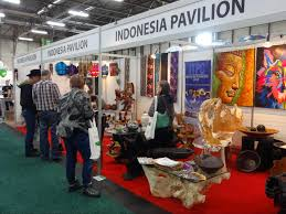 indonesian furniture and home decor products drew local interests read in bahasa english indonesian furniture and home decor products