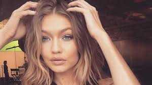 makeup artist in ta makeup tips on glowing skin from gigi hadid s makeup artist
