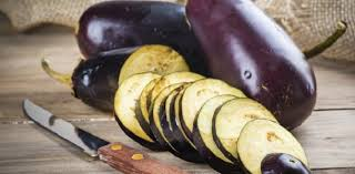 cuisiner aubergine facile que faire avec des aubergines aux fourneaux