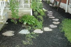 Backyard Stepping Stones by Landscape Stepping Stones Ideas