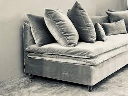 canap en velours cotel 50 canapé velours ancien und tableau toile photo pour salon