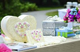 Wedding Gift How Much Money 7 Worst Wedding Gifts For Newlyweds