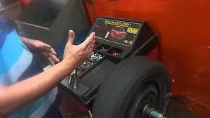 oficina mecânica como é feito o balanceamento de rodas youtube