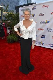 jamie lee curtis helps friend suffering from possible od in car