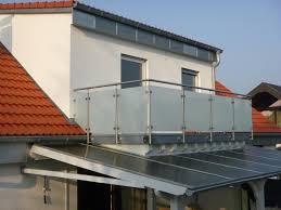 balkon edelstahlgel nder edelstahlgeländer mit seitlicher montage und satinierten scheiben