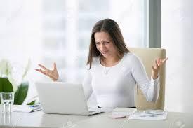 affaire bureau femme d affaires au bureau moderne de bureau à domicile avec