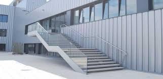 barandilla de cristal estructura exterior de escalera en hierro barandilla acero