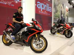 aprilia rsv4 motorcycles wallpapers 2013 aprilia rsv4 factory aprc first look motorcycle usa