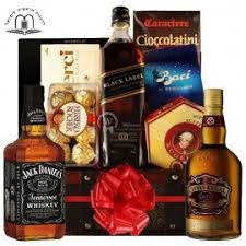 whiskey gift basket gifts baskets delivery service in israel send gifts in israel