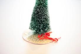 Poinsettia Christmas Tree Skirt Diy Mini Christmas Tree Skirt Creativebug Blog