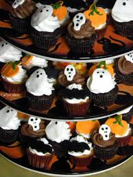 Mini Halloween Cakes by Cat U0027s Cakes