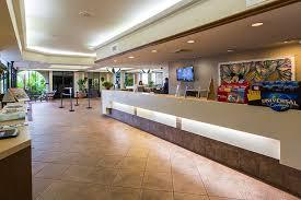 Comfort Inn Kissimmee Maingate Lakeside Resort Family Resorts In Kissimmee Fl