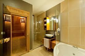 badezimmer mit sauna und whirlpool badezimmer mit sauna und whirlpool aufrüttelnde on badezimmer