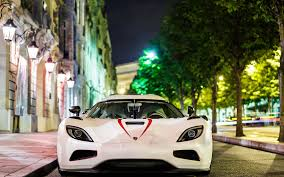 Koenigsegg Agera R Street Night Photo Wallpaper 1680x1050 17148
