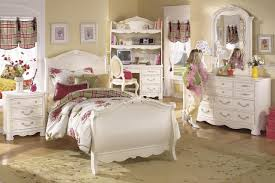 Bedroom Sets Decorating Ideas Classic Washed Pine Bedroom Furniture Design And Decor Ideas