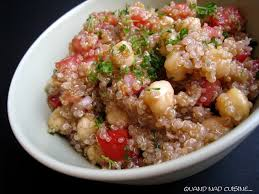 comment cuisiner quinoa recette de salade de quinoa aux pois chiches et tomates la recette