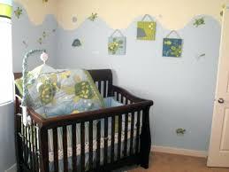 decorer chambre bébé soi meme lit bebe deco peinture chambre bebe couleur bleue et crame deco